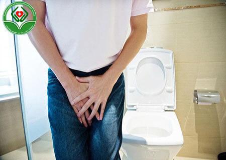 Tại sao nam giới đi tiểu nhiều