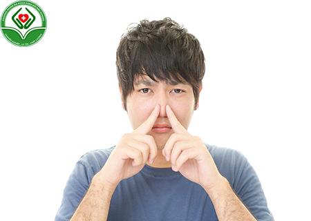 Tinh trùng có mùi hôi là bệnh gì?